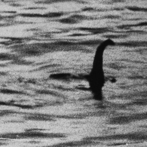 Loch-ness-monster_1466828i
