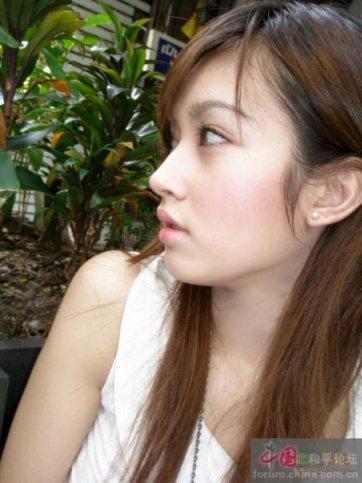 /read/artikel/147165/wanita-cantik-ini-adalah-pria-tercantik-di-dunia